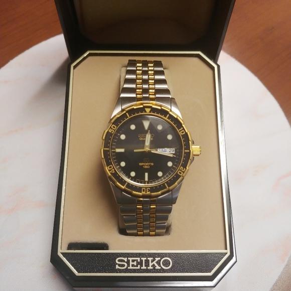 8df5d38e0f88 Men s Vintage SEIKO Sports 150 Quartz Divers Watch
